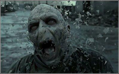 De Slag om Zweinstein - Dood van Voldemort.jpg